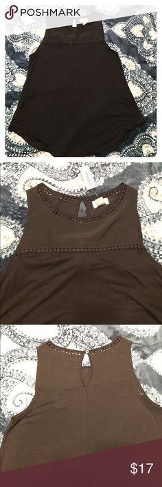 Black Tank Shirt Super cute black shirt. Sleeveless. Loose fitting, flowy, stretchy bottom. Old Navy Tops