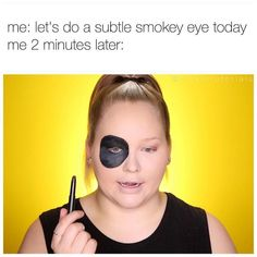 There's nothing funnier than makeup quotes and memes we all can relate to. These funny makeup quotes just say everything we go through about makeup! Funny Makeup Memes, Makeup Humor, Stupid Memes, Stupid Funny, Funny Stuff, Funny Things, Jeffree Star, Funny Relatable Memes, Funny Jokes