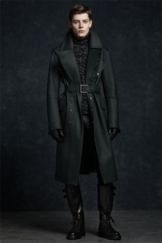 Belstaff presented a luxurious and modern Fall/Winter 2012 collection with a plethora of exotic skins and covetable leather boots.