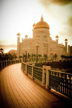 Sultan Omar Ali Saifuddin Mosque | BruneiDarussalam (by Sam...