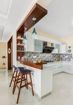 Kitchen Bar Design, Kitchen Cupboard Designs, Interior Design Kitchen, Kitchen Layout, Kitchen Corner, Modern Kitchen Interiors, Modern Kitchen Cabinets, Kitchen Furniture, Modern Open Kitchens
