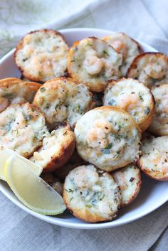 Everything you love in a Shrimp Scampi baked in a hot, gooey popper! Perfect for big parties and get togethers. | littlebroken.com @littlebroken #shrimpscampi #holidayfood