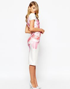 Now this is hot! And elegant :) http://asos.do/87bNAw
