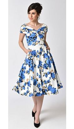 1950s Style White & Blue Rose Floral Print Short Sleeve Swing Dress