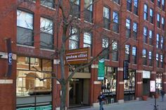 Graham Elliot Restaurant in Chicago