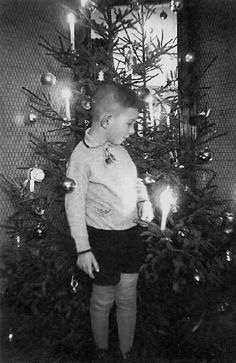 "German Christmas Tree (1930s) ""Maybe, if I very,very good ziz jear, die Fuhrer vil give me, mien own concentration kamp!""   Yikes............."