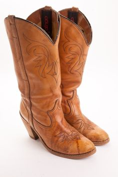 82e5be1faad High Heeled Womens Cowboy Boot By Dingo s Size 6M
