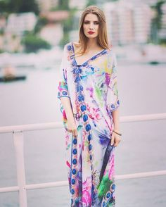 Evoking the beautiful colors of the great barrier reef the #daydream #kaftan will take you from work to weekend and beyond  #daydreaming #daydreamisland #daydreamislandresort #kaftan #kaftans #color #bringcolortoyourlife #vizcosa #vizcosatravels #fashion #fashionblogger #fashionblog #resortwear #silk #beachcoverup# #queensland #greatbarrierreef #Australia #australianfashionblogger #australianfashion #fashionaddict by vizcosa http://ift.tt/1UokkV2