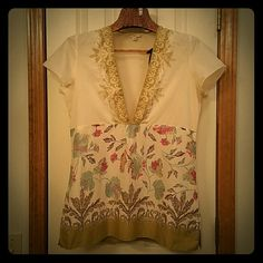 J Jill floral tunic size M EUC J Jill 100% cotton, v-neck tunic, excellent condition. Ivory, olive, magenta and teal floral design with a comfortable and roomy fit J. Jill Tops