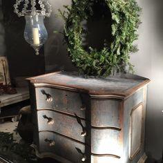 Instagram post by LMG • Dec 19, 2014 at 6:15pm UTC Ain't No Sunshine, Farmhouse Style, Antiques, Instagram Posts, Furniture, Home Decor, Antiquities, Antique, Decoration Home