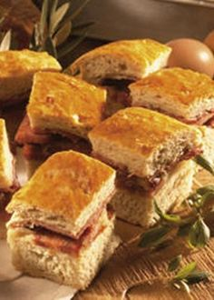 """Portuguese Delights: """"Bola de Carne"""", made of a kind of bread dough and filled in with a mixt of meats, from chicken to """"chouriço"""" and bacon. Lúcia"""
