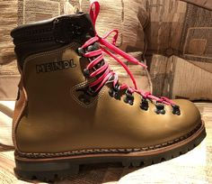 m přá Tall Boots, Snow Boots, Winter Boots, Top Shoes, Men's Shoes, Fashion Boots, Mens Fashion, Mountaineering Boots, Best Hiking Shoes