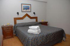 Habitaciones del Hotel del Rey en La Plata
