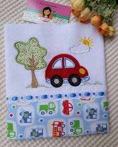 Aplicaciones para sábanas y almohadas de bebe. Baby Applique, Baby Embroidery, Machine Embroidery, Applique Designs, Quilting Designs, Sewing Piping, Baby Sheets, Baby Sewing Projects, Baby Kit