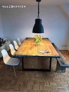 Tisch aus recycelten Gerüstbohlen 250 x 128 cm Balcony Chairs, Balcony Furniture, Living Furniture, Bar Chairs, Recycled Furniture, Pallet Furniture, Furniture Design, Outdoor Furniture, Design Tisch