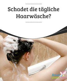Schadet die tägliche #Haarwäsche?  Schönes Haar ist der #Traum vieler Frauen. Nicht jede ist damit gesegnet, denn es gibt viele verschiedene Haartypen. Doch eines ist allen gemeinsam: die Haare müssen #gewaschen werden. Doch wie oft eigentlich? Schadet die #tägliche Haarwäsche?