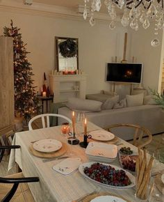 Christmas Tree Farm, Christmas Mood, Interior Exterior, Home Interior Design, Christmas Inspiration, Room Inspiration, Christmas Aesthetic, Decoration Table, House Rooms