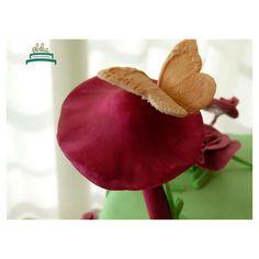 #obelia #cake #torta #pastel #birthday #cumpleaños #sweet #instacake #pasteleria #laplata #mesadulce #diseñodulce #festejo #sweetdesign #hada #fairy #butterfly #cupcake #cookies #souveniers #popcorn #pochoclos #candybar #celebración Pop Corn, Cupcakes, Pastel, Photo And Video, Instagram, Fairy, Celebration, Candy Stations, Food Cakes