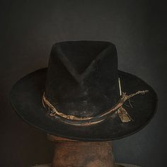 beaver felt fedora, made in USA Western Hats, Cowboy Hats, Western Style, Cowgirl Tuff, Cowgirl Style, Mens Dress Hats, Dope Hats, Mens Fashion, Fashion Hats