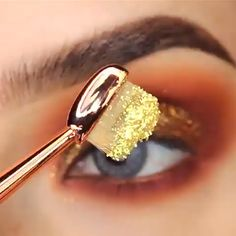 Eyeliner is one of the best type of eye makeup that helps to enhance your eyes and make it look more beautiful. By applying eyeliner you can accentuate your eyes…View Post Eye Makeup Glitter, Eye Makeup Tips, Makeup Goals, Makeup Trends, Skin Makeup, Eyeshadow Makeup, Makeup Brushes, Cosmetic Brushes, Eyeliner Ideas