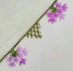 No photo description available. Needle Lace, Crewel Embroidery, Filet Crochet, Baby Knitting Patterns, Crochet Flowers, Tatting, Needlework, Elsa, Diy And Crafts
