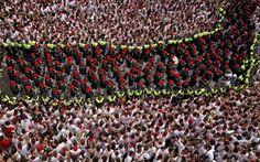 Milhares participam do início da festa de São Firmino em Pamplona - Mundo - iG