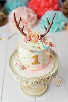 Wild one Birthday cake, cake smash - First Birthday Party Decor Ideas Wild One Birthday Party, Baby Girl 1st Birthday, First Birthday Cakes, Baby Birthday, First Birthday Parties, Birthday Ideas, One Year Birthday Cake, Smash Cake Girl, Partys