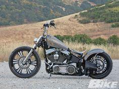 2004 Harley Davidson FXSTB #harleydavidsoncustommotorcyclesmotorbikes