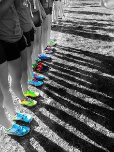 inspire fitness - Pruitt Pruitt Pruitt Singer this would be a cool cross country picture at the starting line! Running Pictures, Soccer Pictures, Team Pictures, Team Photos, Senior Pictures, Cool Pictures, Sports Photos, Senior Photos, Yearbook Pages