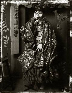 yama-bato:    Sarah Moon  Masako pour Roméo, 1989  http://www.lensculture.com/webloglc/index.html