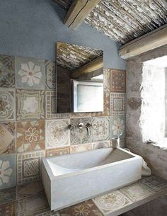 MEMORY MOOD by Panaria, inspired by ancient cement tiles in 6 colors and 9 patterns Bad Inspiration, Bathroom Inspiration, Interior Inspiration, Casa Milano, Interior And Exterior, Interior Design, Wall And Floor Tiles, Beautiful Bathrooms, Tile Design