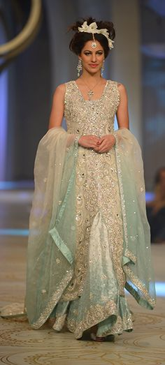 Pakistani couture http://www.pinterest.com/melode9760/stylish-india-pakistani/