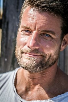 Die 9 Besten Bilder Von Damien Puckler Grimm Tv Show Athletes Und