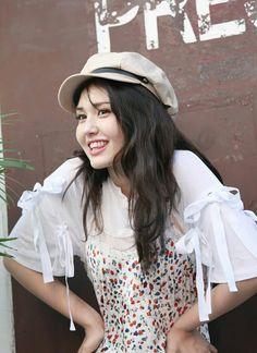 in Hongkong for Marie Claire Photoshoot Kpop Girl Groups, Korean Girl Groups, Kpop Girls, Korean Beauty Girls, Elegant Wedding Hair, Jeon Somi, Korean Celebrities, Korean Singer, South Korean Girls