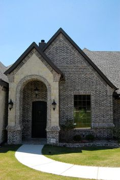 Traditional Exterior brick Design Ideas, Pictures, Remodel a… – Stone House Brown Brick Exterior, Stone Exterior Houses, Exterior Doors With Glass, Exterior House Colors, Stone Houses, Exterior Design, House Exteriors, Traditional Exterior, Traditional House