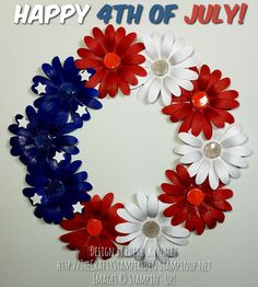 Stampin' Up! Daisy Delight and Daisy Punch bundle July 4th wreath decoration.  Purchase bundle at http://TheCraftyStampersDen.stampinup.net.