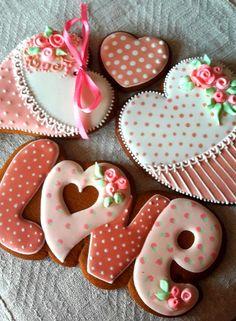 много много валентинок)))
