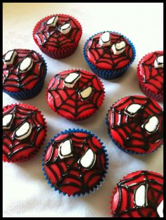 Spiderman Cupcake Tutorial. Makes it look somewhat easy.