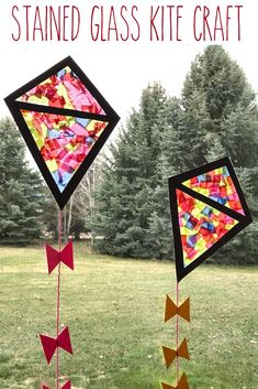 A stained glass kite is a super easy, super inexpensive craft for kids to make! A stained glass kite is a super easy, super inexpensive craft for kids to make! Crafts For Teens To Make, Spring Crafts For Kids, Summer Crafts, Kites For Kids, Art For Kids, Kite Decoration, Kites Craft, Kites Diy, Kite Making
