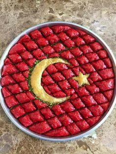 Turkish Recipes, Italian Recipes, Ethnic Recipes, Fish And Meat, Fish And Seafood, Turkish Baklava, Turkey Today, Turkish Sweets, Baklava Recipe