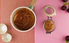 Diferente do que muitas pessoas pensam, a manteiga de maçã não possui textura gordurosa e por isso é ótima como recheios e acompanhamento