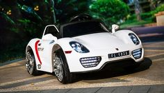MiPetiteLife.es - Porsche 918 Spyder 12V Blanco. Los coches de batería para niños Porsche 918 Spyder 12v tienen un equipamiento sobresaliente destacando un mando parental de 2.4 Ghz, doble motor, equipo de audio y radio FM, indicador de batería y muchas mas caracteristicas. www.MiPetiteLife.es