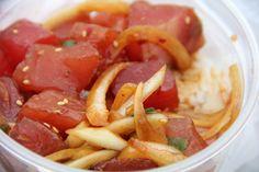 Hawaiian Poke Bowls - The most delicious Hawaiian food: http://migrationology.com/2012/04/hawaiian-poke-bowl-kahuku-superette/