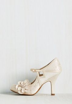 Chimerical Caper Heel in Champagne | Mod Retro Vintage Heels | ModCloth.com