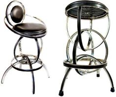Repurposed bicycle parts in homemade furniture. Make chairs from reclaimed bike wheels, stools and benches from saddles. Recycled bicycles for decoration. Unusual Furniture, Recycled Furniture, Metal Furniture, Furniture Design, Homemade Furniture, Furniture Making, Recycled Bike Parts, Bicycle Parts, Scaffolding Wood
