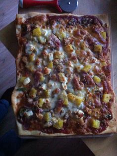 Home made pizza Hawaiian Pizza, Vegetable Pizza, Quiche, Homemade, Drink, Vegetables, Eat, Breakfast, Food