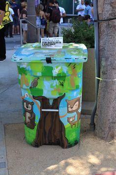 Street Art trash can
