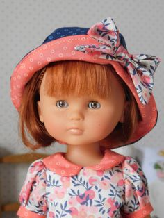 Chries N 14 and PATRON H Reversible hat My little sewing school Sewing School, Doll Clothes, Barbie, Kids Outfits, Dolls, Hats, Voici, Children Clothing, Stitching