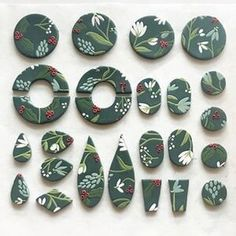 Polymer Clay Pattern Class - Christmas Ornaments and Gift Tags — The Grace Museum Fimo Clay, Polymer Clay Projects, Polymer Clay Beads, Diy Clay Earrings, Clay Ornaments, Christmas Ornaments, Biscuit, Polymer Clay Embroidery, Polymer Clay Christmas