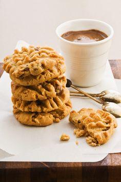 Erdnuss-Cookies | http://eatsmarter.de/rezepte/erdnuss-cookies-2